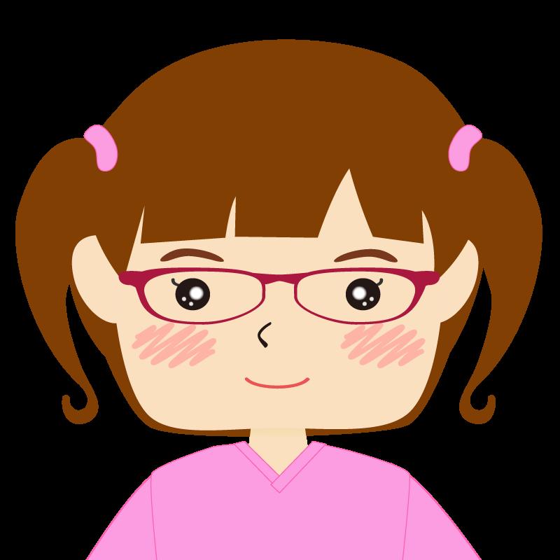 パッツン前髪の女の子 眼鏡 笑顔