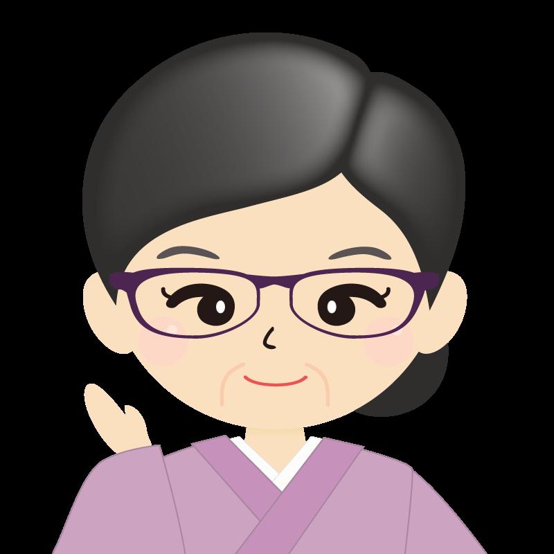 画像:熟年・まとめ髪の女性・和装・着物・眼鏡 笑顔